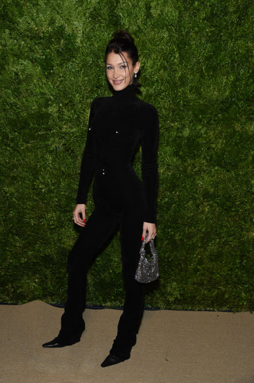 Анна Винтур, сестры Хадид, Эшли Грэм и другие звезды на церемонии Vogue Fashion Fund Awards 2019