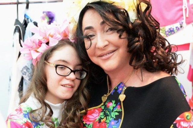 Редкость: Лолита выложила видео с дочерью в ее день рождения