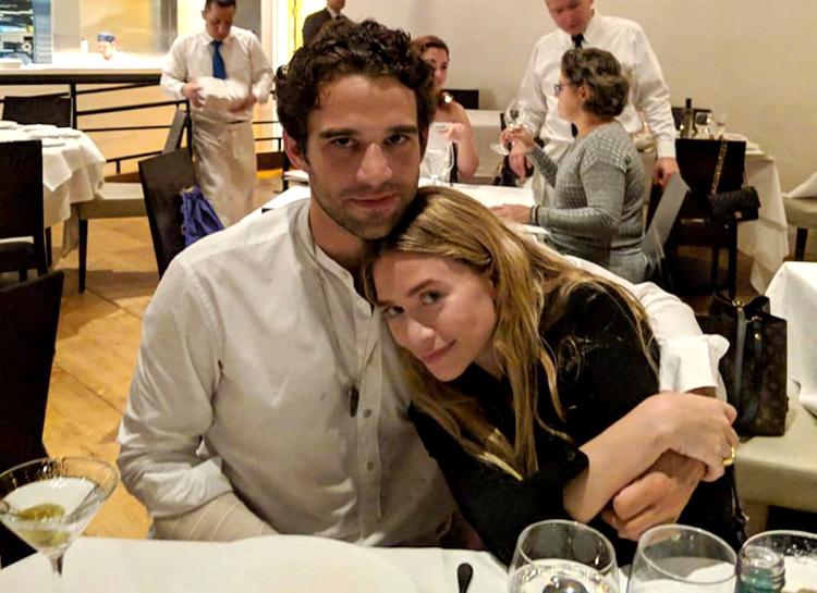 Двойное свидание: Мэри-Кейт и Эшли Олсен на ужине с возлюбленными