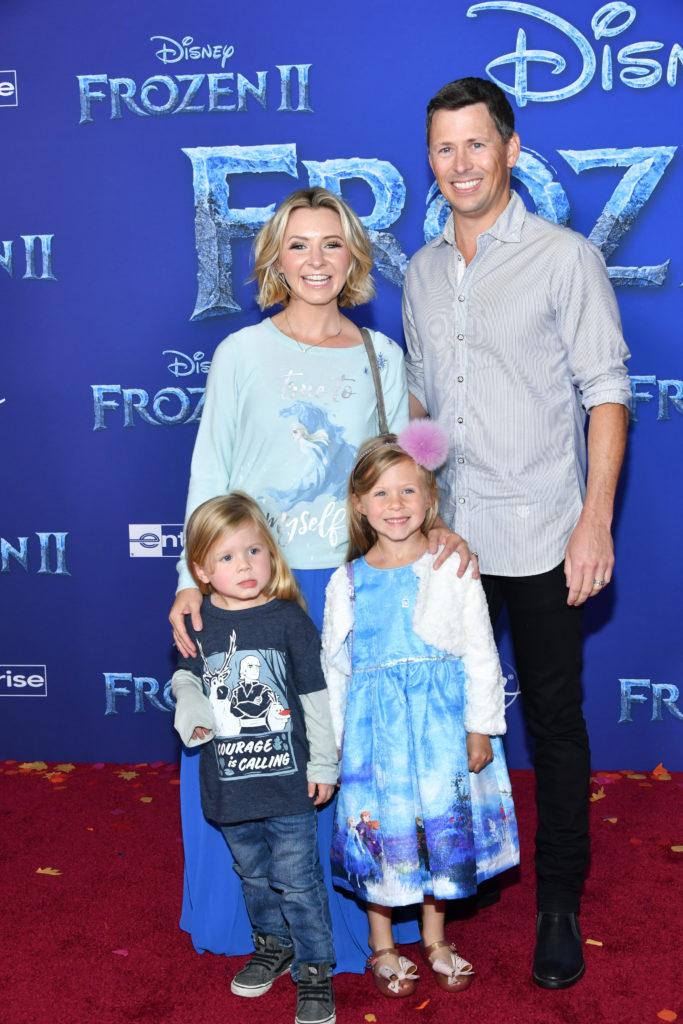 Беверли Митчелл с семьей