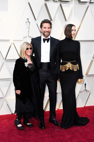 Брэдли Купер с мамой и Ириной Шейк