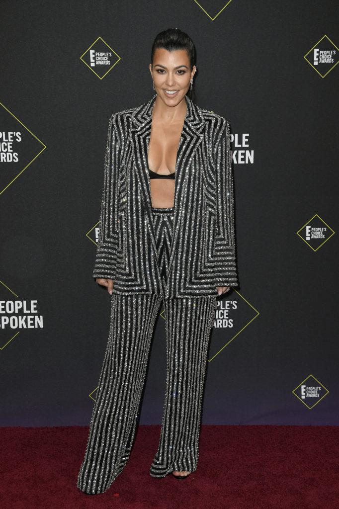Сестры Кардашьян, Зендая и Дженнифер Энистон на премии People's Choice Awards 2019