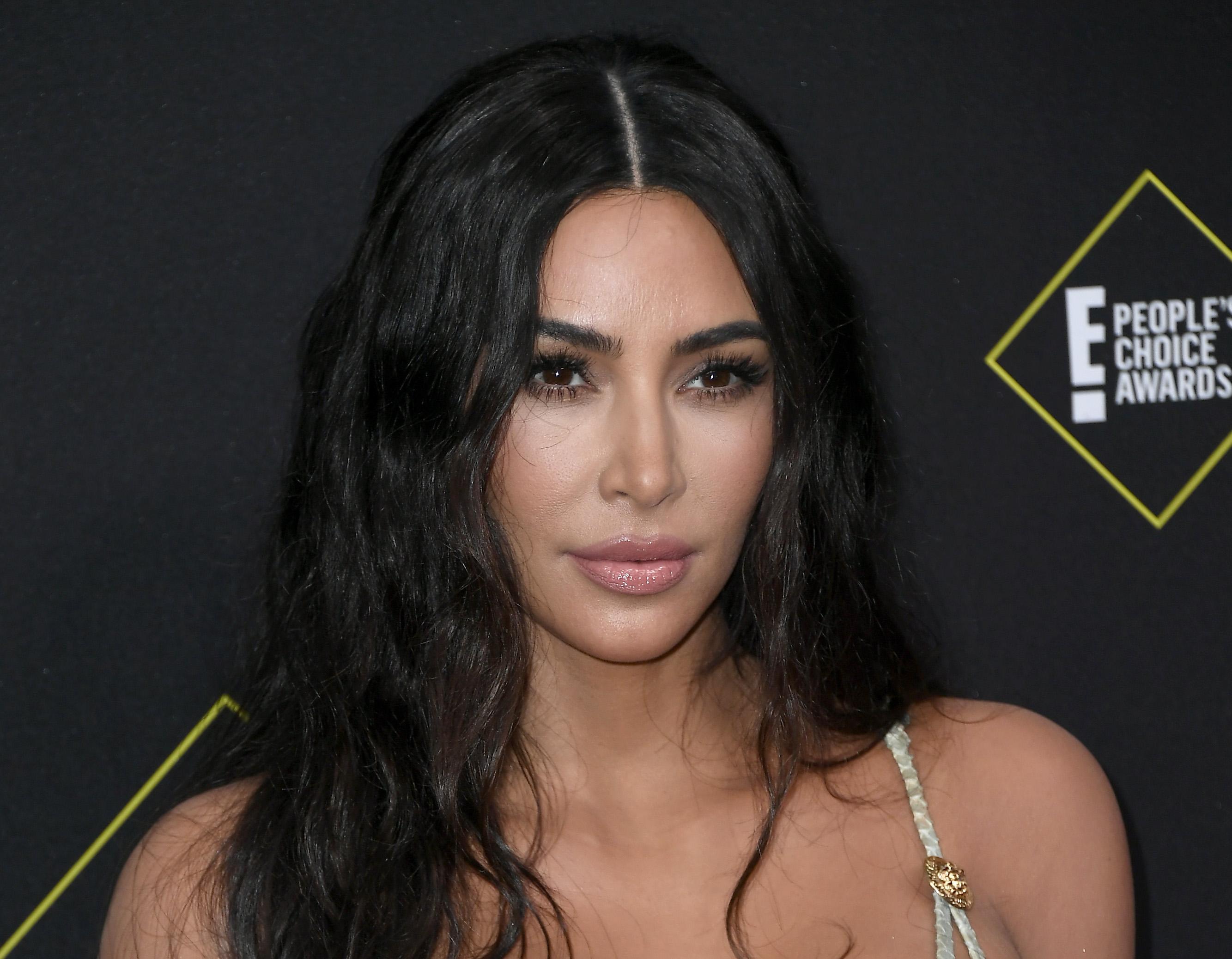 Сколько лайков набрало новое фото Ким Кардашьян?