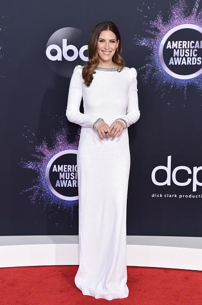 Немного, но были: самые красивые наряды American Music Awards