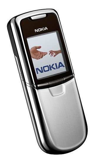 Nokia 8800. Стальной корпус, 64 мегабайт встроенной памяти и 0,3-мегапиксельная камера