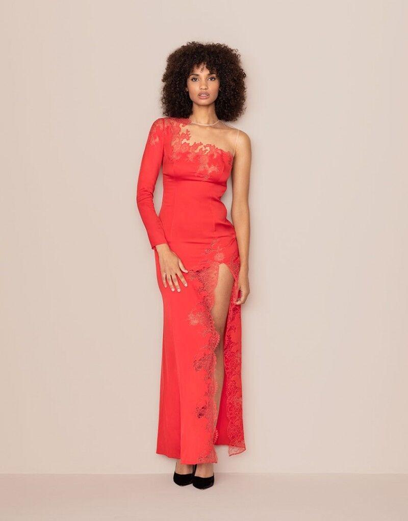 Платье 93 000 Р.