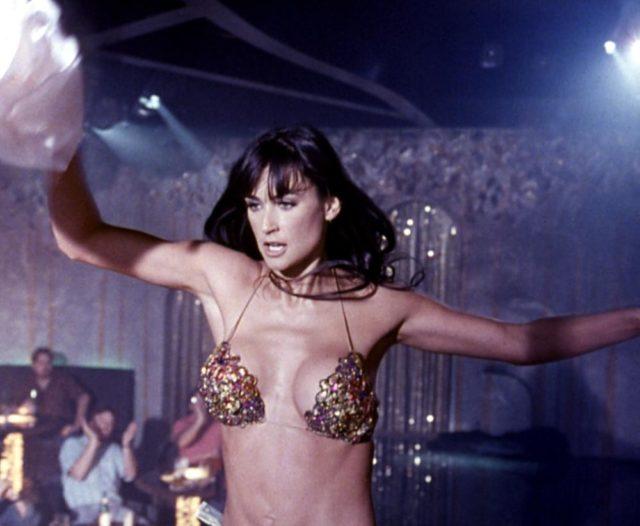 В день рождения Деми Мур: очень сексуальный плейлист из фильма «Стриптиз»