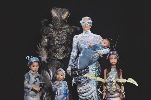Хэллоуиин продолжается! Новые костюмы семьи Кардашьян-Уэст!