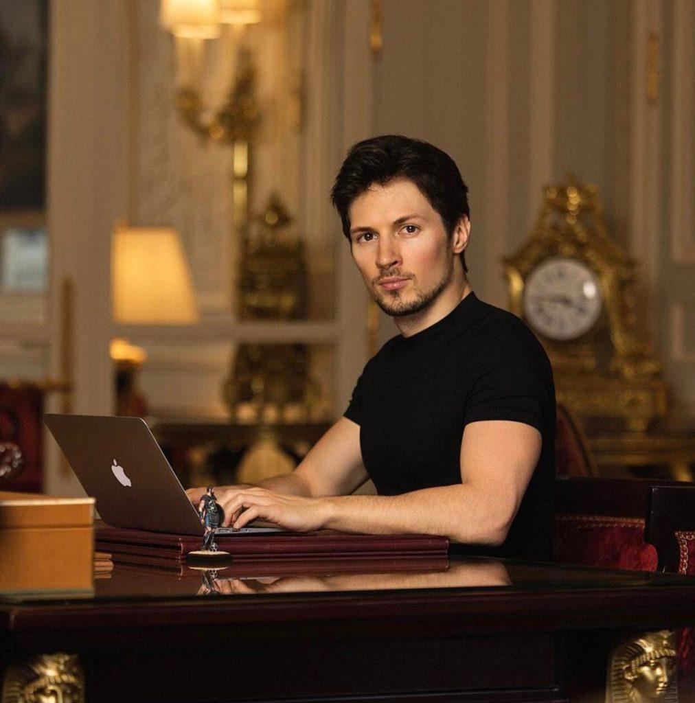 Серьезно! Почему Павел Дуров призывает удалить WhatsApp?