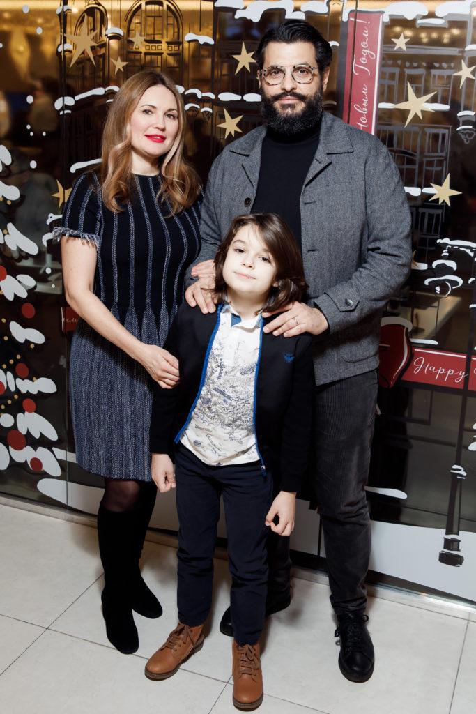 Уиллиам Ламберти с семьей