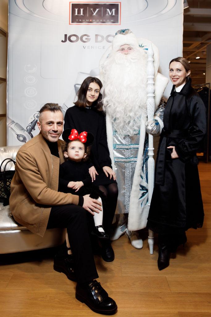 Александр Сирадекиан с семьей