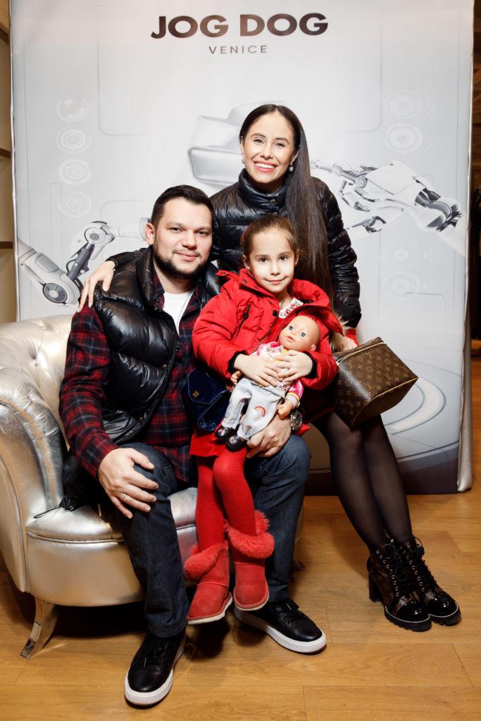 Илана с мужем и дочкой Дианой