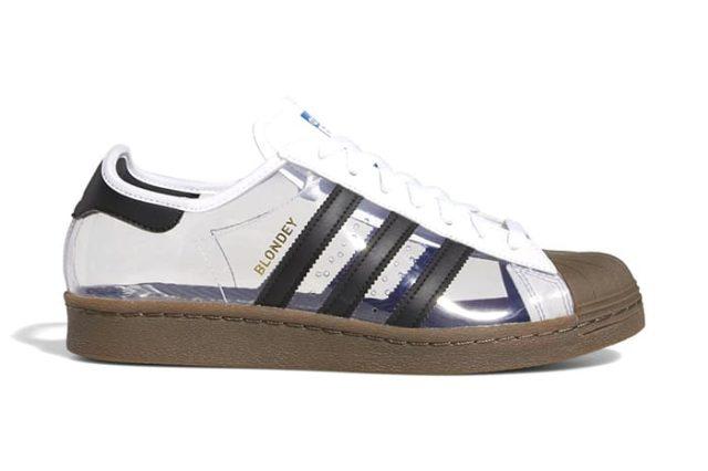 Adidas выпустил полностью прозрачные кроссовки