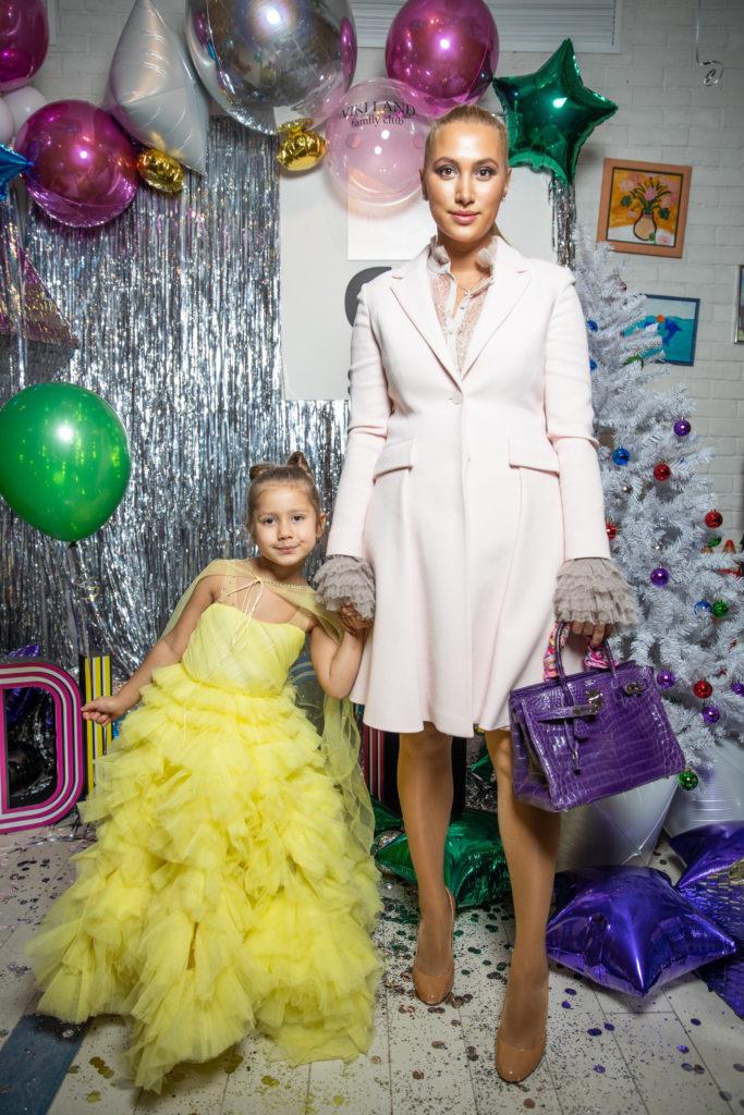 Алина Буре с дочкой Палиной