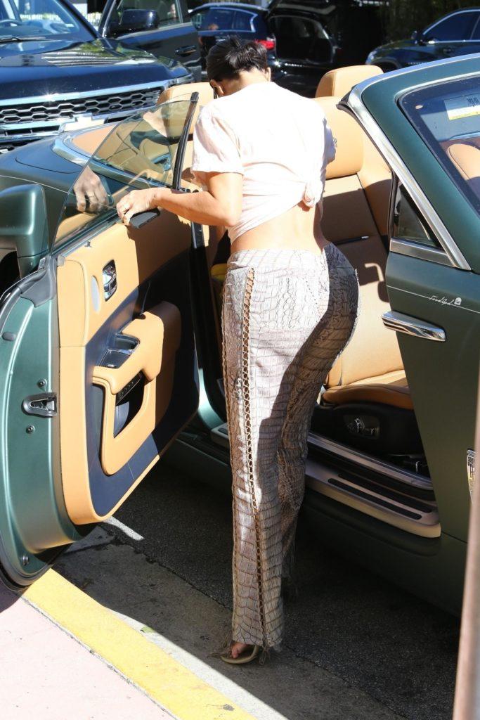 Уберите Канье от экранов: Ким Кардашьян в очень откровенных брюках. Видно все!
