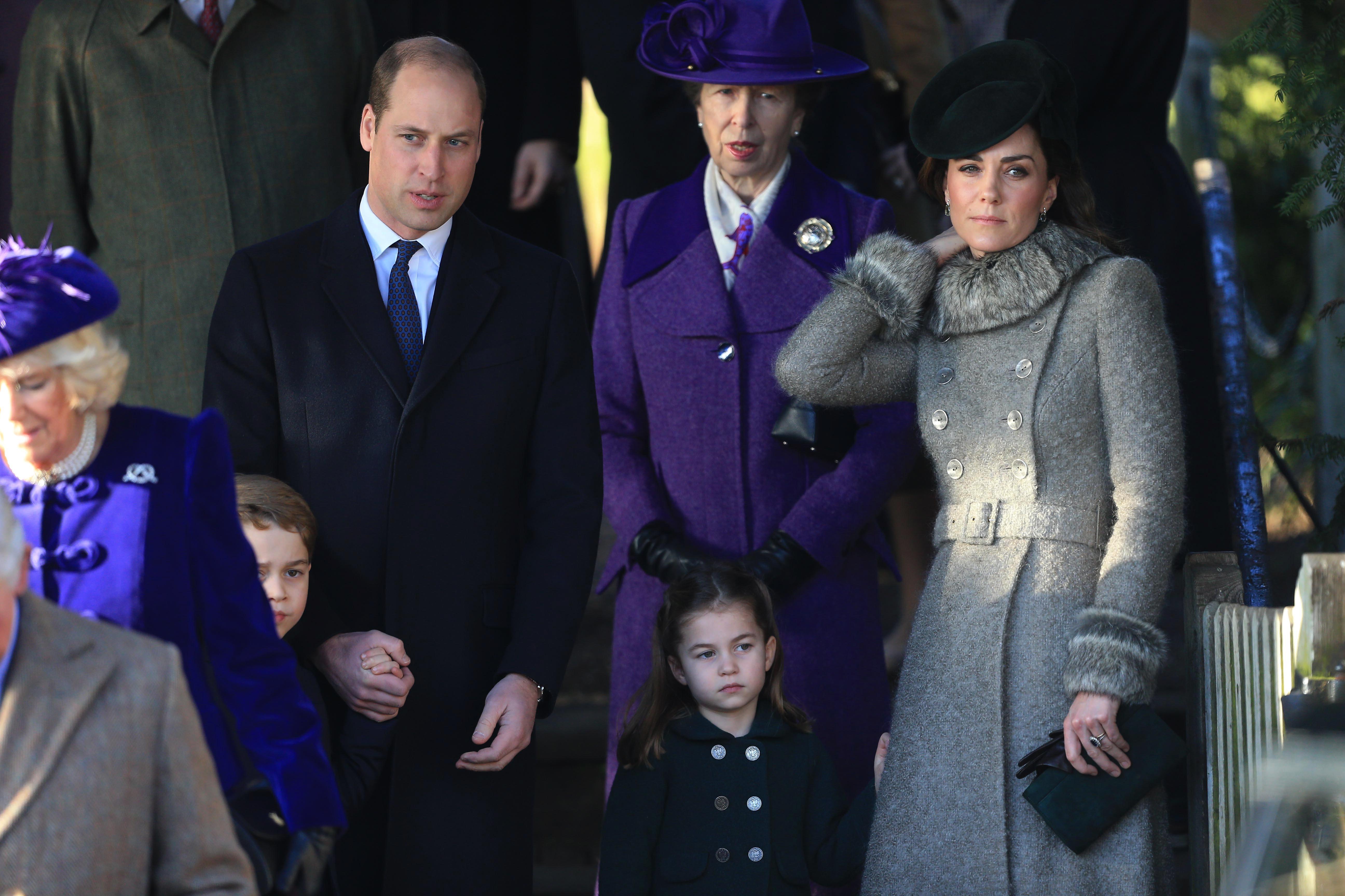 Первая рождественская служба принца Джорджа и принцессы Шарлотты