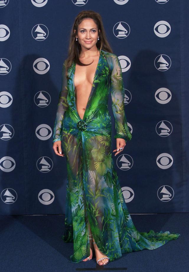 В день рождения Джанни Версаче: культовые платья дизайнера1
