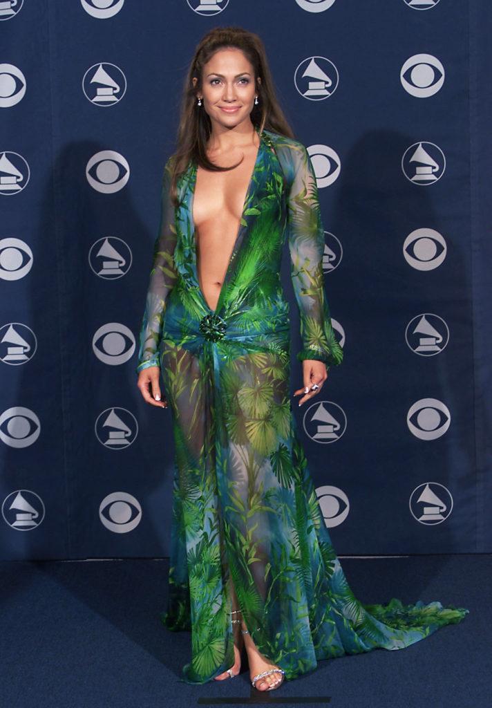В день рождения Джанни Версаче: культовые платья дизайнера