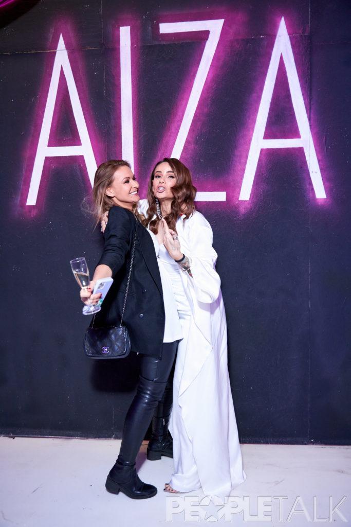 Юлия Колядина и Айза Анохина
