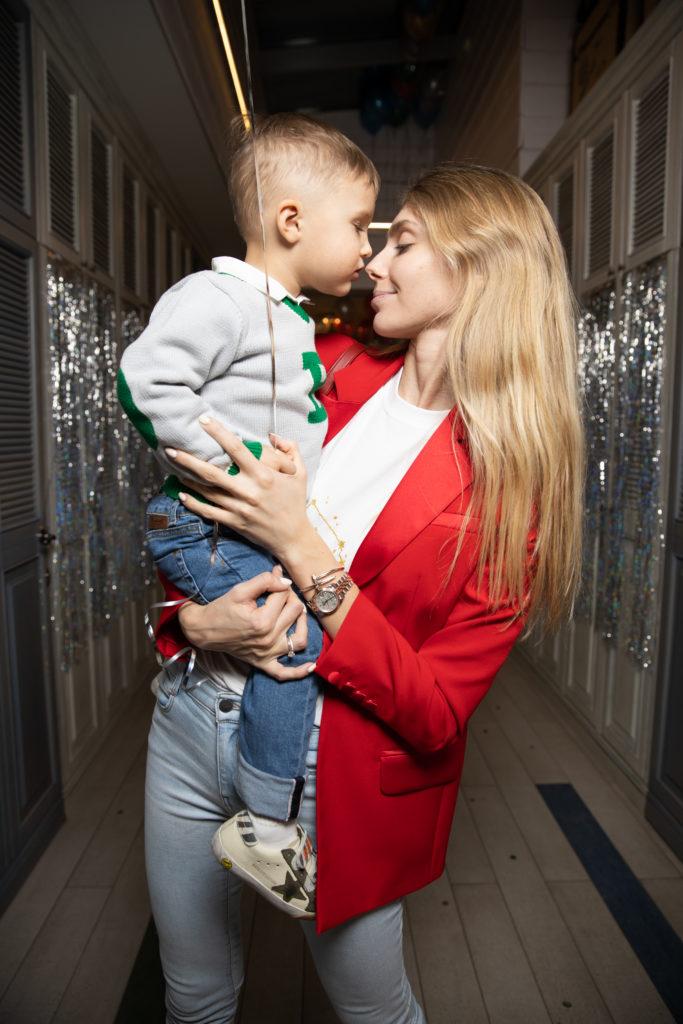 Ясмина Муратович с сыном Даней