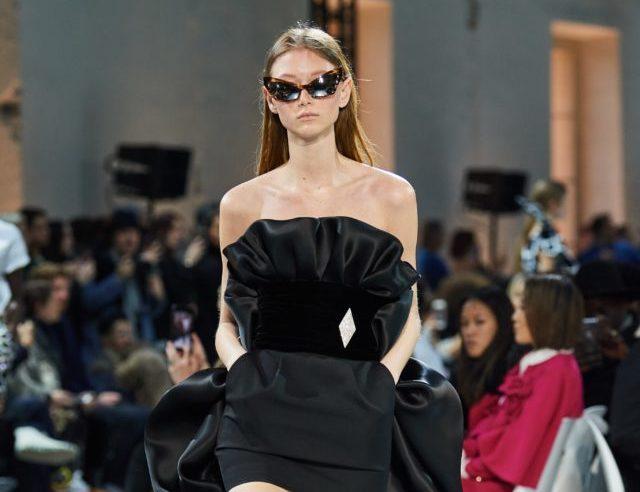 Красиві чорні сукні на кутюрної Тижні моди в Парижі
