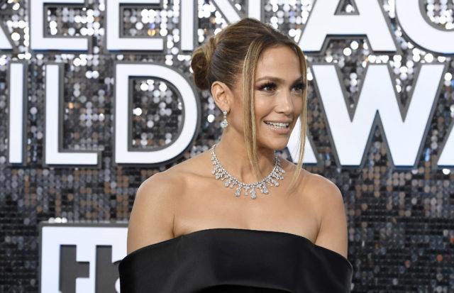 Самое дорогое украшение премии SAG Awards: Дженнифер Лопес в изделиях за $9 млн