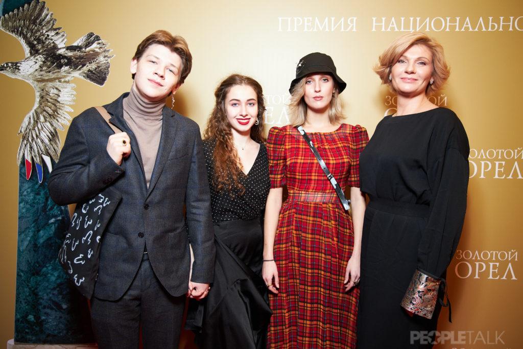 Анна Ардова с детьми