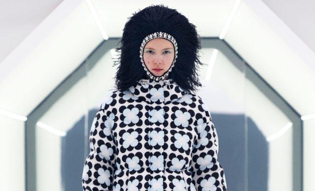 Показ Moncler 8 Richard Quinn на Тижні моди в Мілані