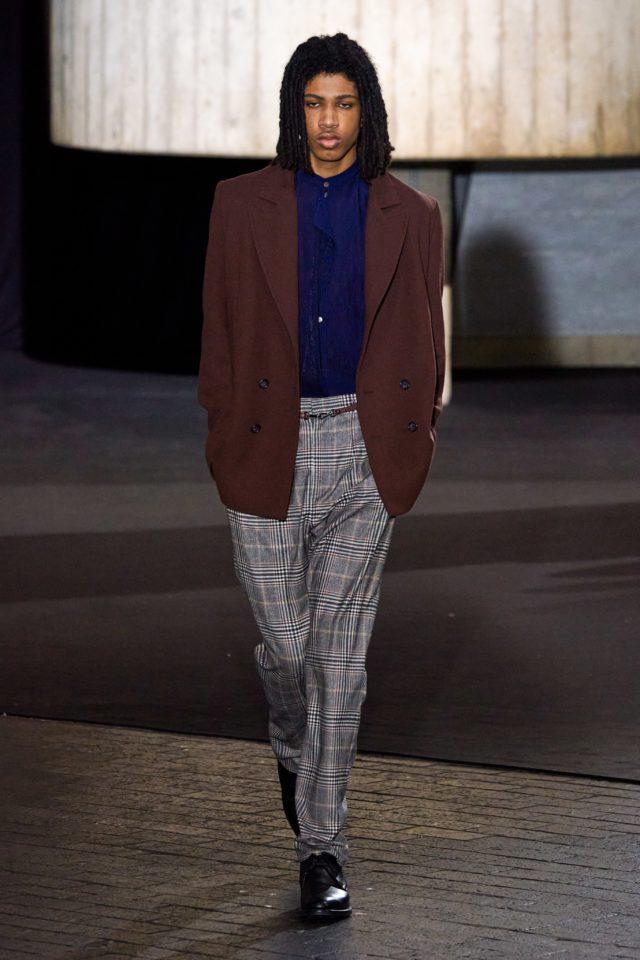 Показ Roland Mouret на Неделе моды в Лондоне28
