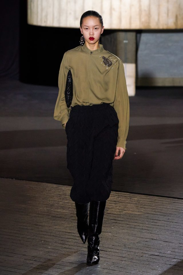 Показ Roland Mouret на Неделе моды в Лондоне34