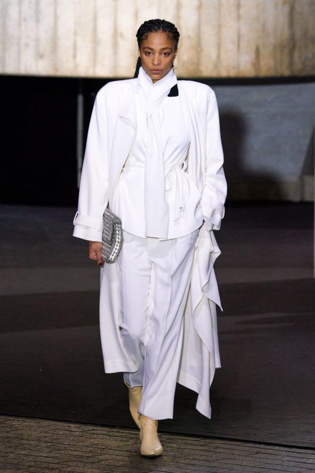 Показ Roland Mouret на Неделе моды в Лондоне29