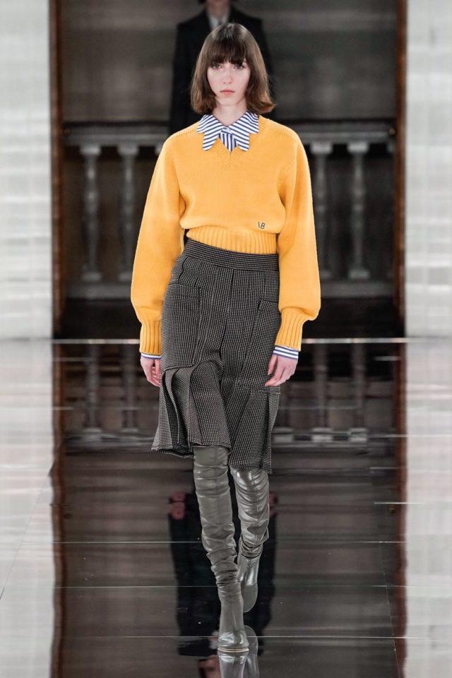 Показ Victoria Beckham на Неделе моды в Лондоне19