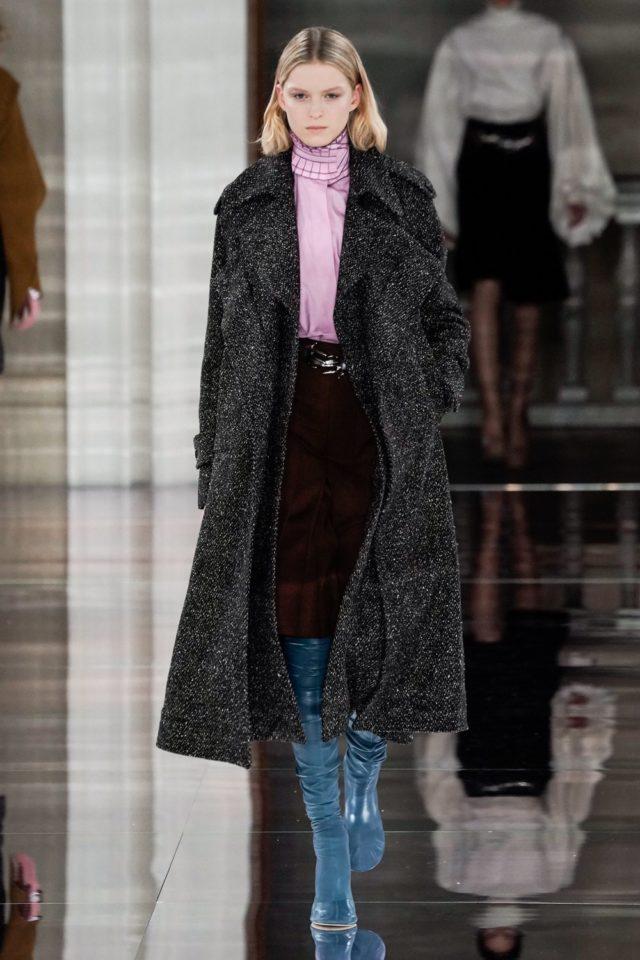 Показ Victoria Beckham на Неделе моды в Лондоне30