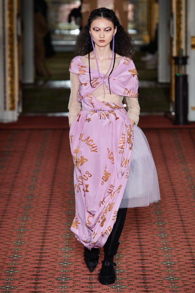 Показ Simone Rocha на Неделе моды в Лондоне12