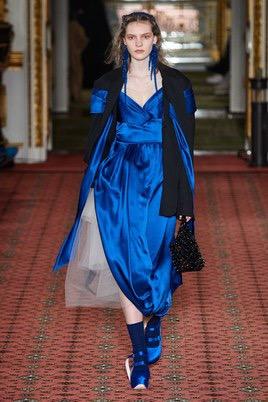 Показ Simone Rocha на Неделе моды в Лондоне27