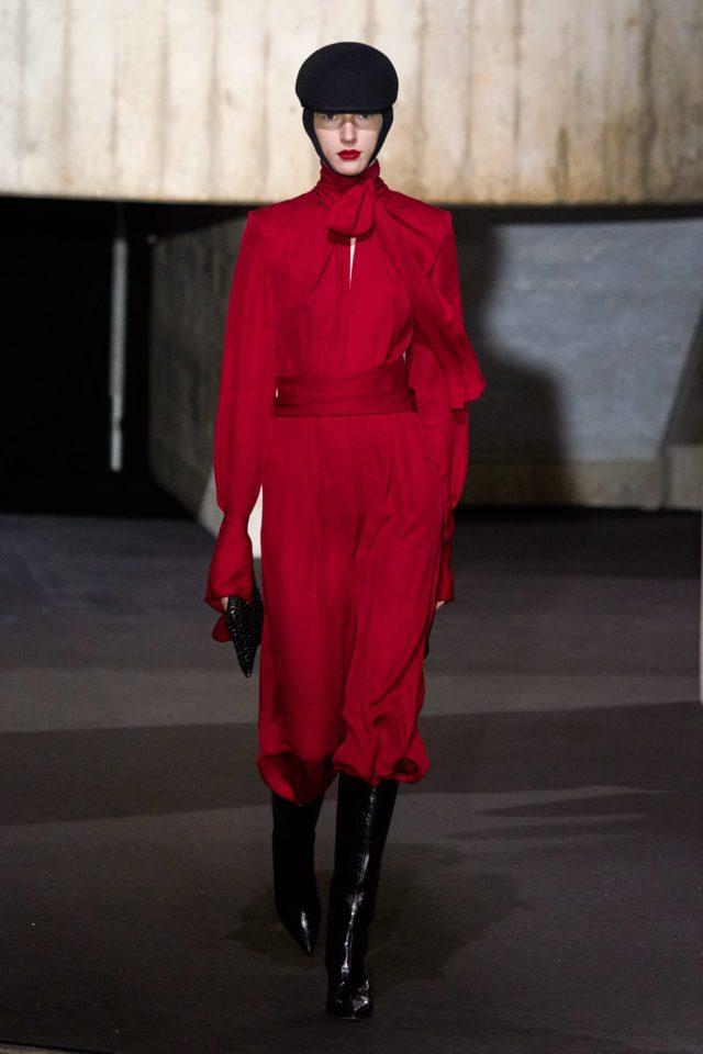 Показ Roland Mouret на Неделе моды в Лондоне2