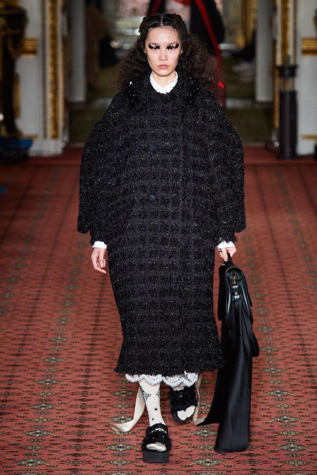 Показ Simone Rocha на Неделе моды в Лондоне18