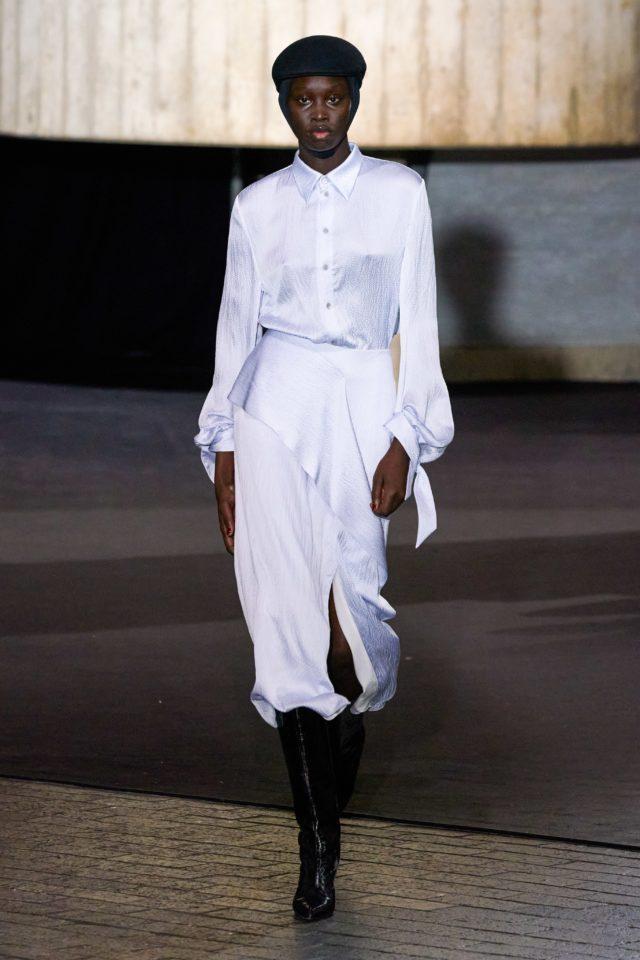 Показ Roland Mouret на Неделе моды в Лондоне30