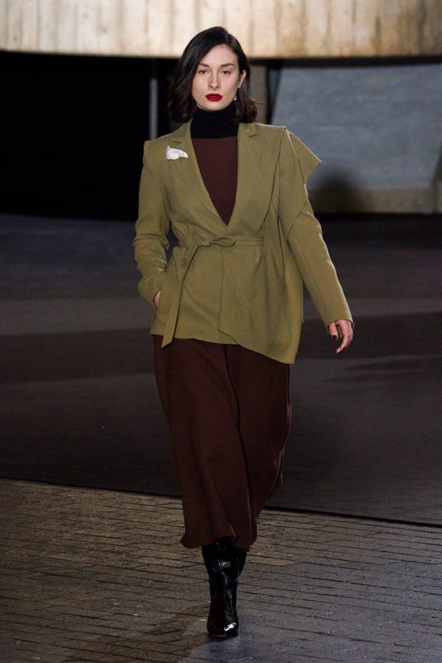 Показ Roland Mouret на Неделе моды в Лондоне26