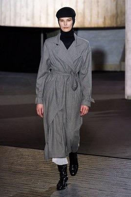 Показ Roland Mouret на Неделе моды в Лондоне16
