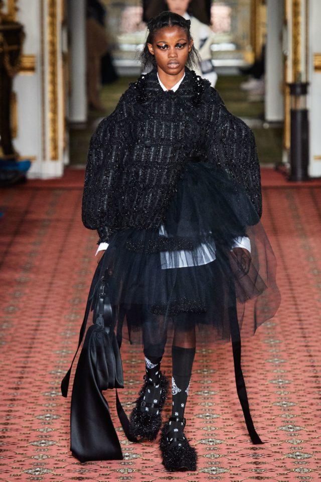 Показ Simone Rocha на Неделе моды в Лондоне16