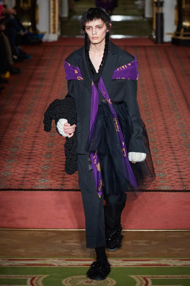 Показ Simone Rocha на Неделе моды в Лондоне14