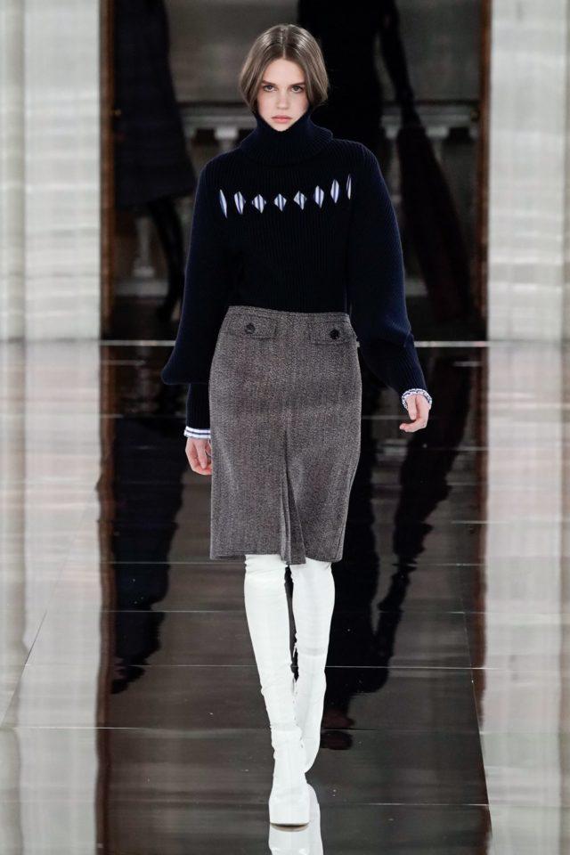 Показ Victoria Beckham на Неделе моды в Лондоне18