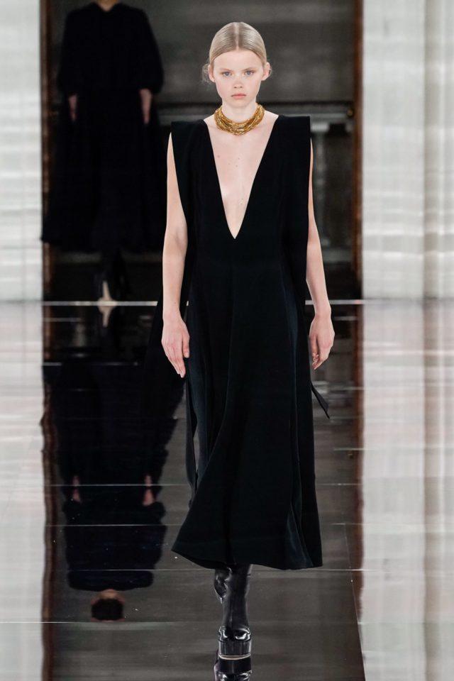 Показ Victoria Beckham на Неделе моды в Лондоне41