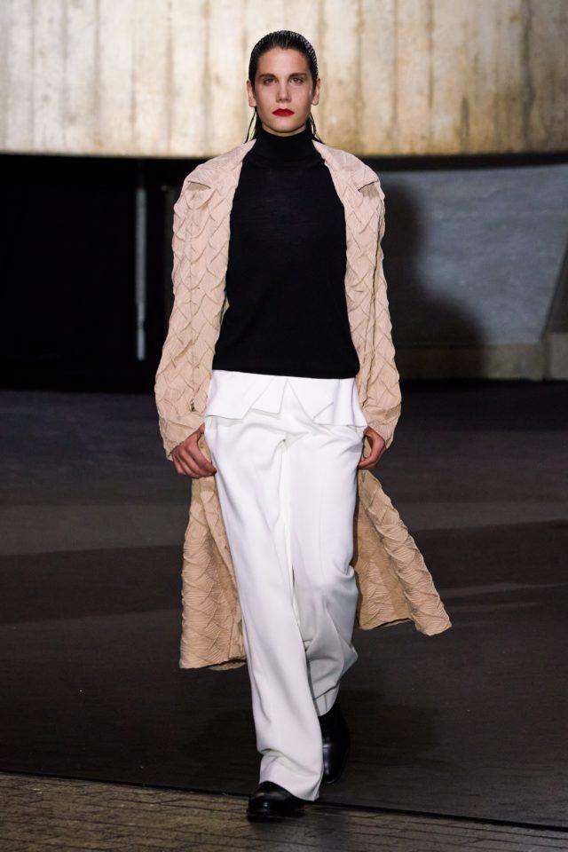 Показ Roland Mouret на Неделе моды в Лондоне20