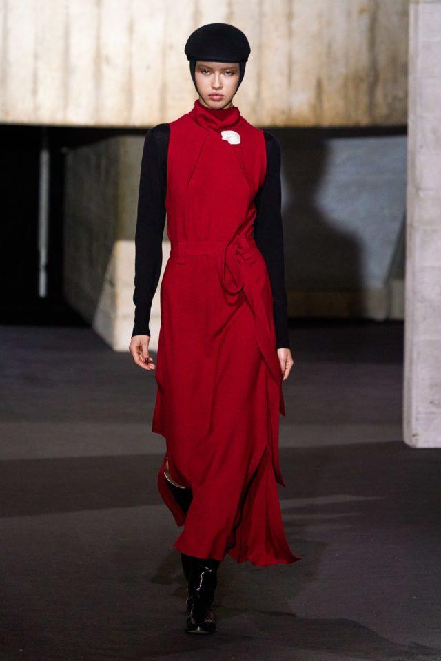 Показ Roland Mouret на Неделе моды в Лондоне9