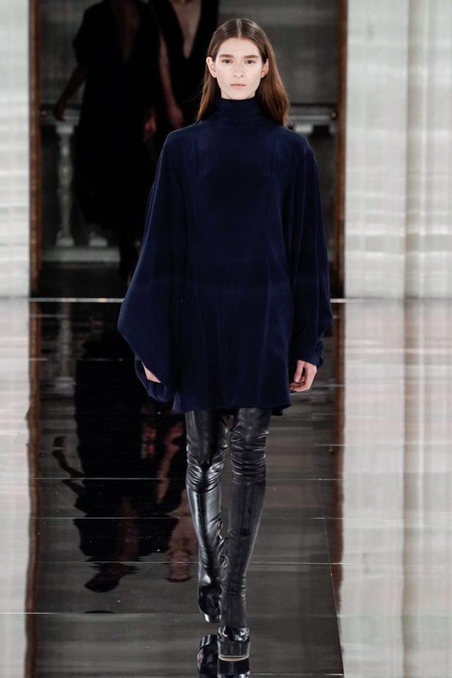 Показ Victoria Beckham на Неделе моды в Лондоне40