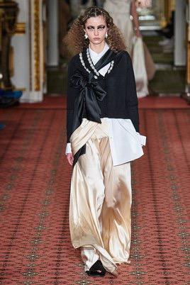 Показ Simone Rocha на Неделе моды в Лондоне8
