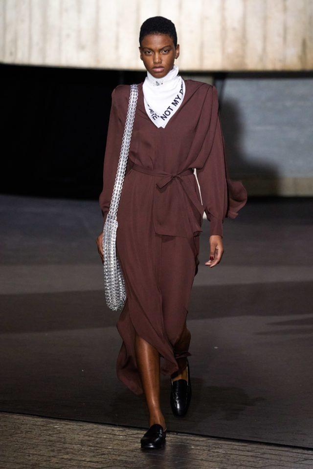 Показ Roland Mouret на Неделе моды в Лондоне6