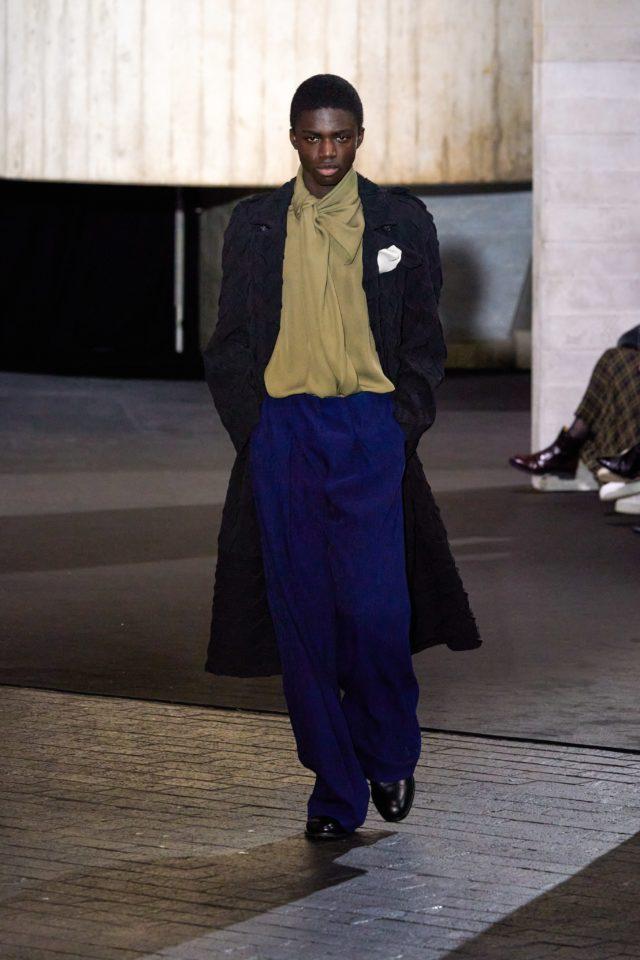 Показ Roland Mouret на Неделе моды в Лондоне33